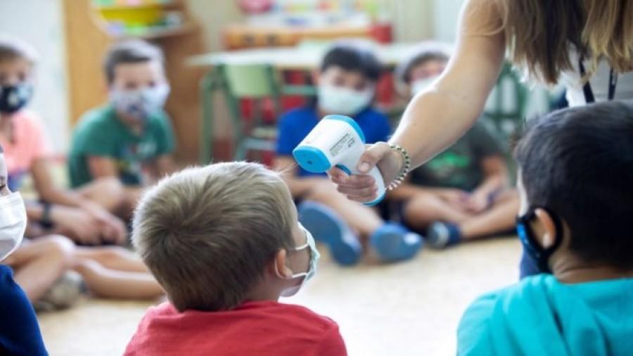 Ασφαλές επιδημιολογικά περιβάλλον τα σχολεία, σύμφωνα με τα έως τώρα στοιχεία
