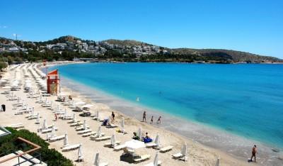 Κατάλληλες για κολύμπι 199 ακτές της Αττικής και των νησιών της