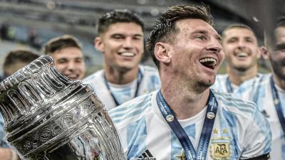 «Έσπασε» τα κοντέρ η φωτογραφία του Λιονέλ Μέσι με το τρόπαιο του Copa America στο Instagram!