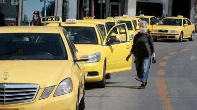 Αυξάνονται οι επιβάτες σε ιδιωτικά οχήματα, ταξί και τουριστικά βαν