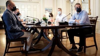 Διχάζει και «απειλεί» τους ανεμβολίαστους, η κυβέρνηση - Η εισήγηση σοκ για τις υπερτοπικές μετακινήσεις