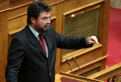 Οικονόμου (ΝΔ): Ο Τσίπρας και η Δούρου θέλουν κλωτσιές και δρόμο - ΣΥΡΙΖΑ: Λεκτικοί τραμπουκισμοί
