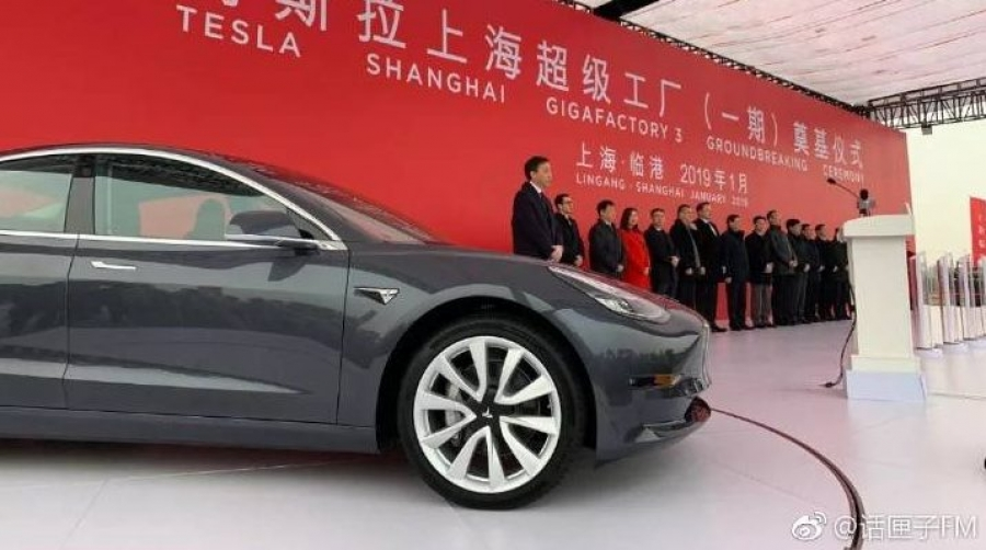 Η Tesla παραγκώνισε την Mercedes-Benz στην αγορά της Κίνας