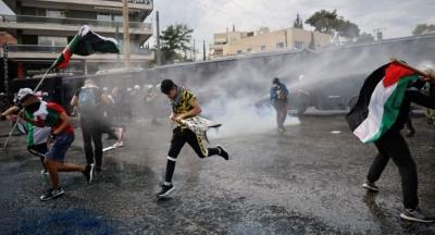 Συλλήψεις και τραυματίες στα επεισόδια στην ισραηλινή πρεσβεία στην Αθήνα