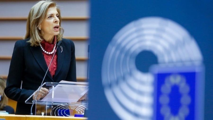Κυριακίδου (Επίτροπος ΕΕ): Θα διασφαλίσουμε ότι θα τηρηθούν τα χρονοδιαγράμματα στις παραδόσεις των εμβολίων