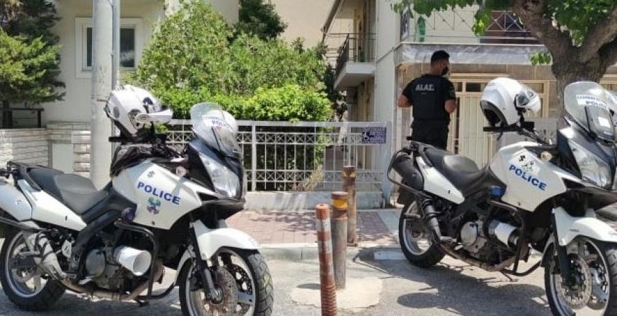 Δολοφονία στη Δάφνη: Σε διαθεσιμότητα οι δύο αστυνομικοί που αγνόησαν κλήσεις περιοίκων