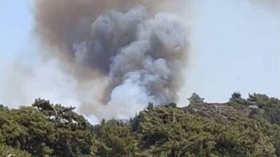 Δύσκολο πύρινο μέτωπο στη Ρόδο – Σκληρή μάχη των πυροσβεστών