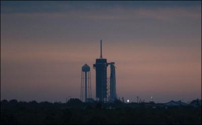 Αναβλήθηκε λόγω καιρικών συνθηκών η πρώτη επανδρωμένη πτήση της SpaceX προς τον Διεθνή Διαστημικό Σταθμό