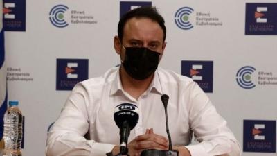 Μαγιορκίνης: Ο αριθμός των ενεργών κρουσμάτων στην επικράτεια παρουσιάζει εύθραυστη σταθεροποίηση