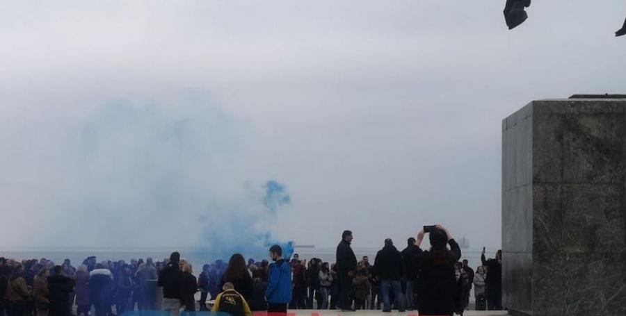 Συγκέντρωση κατά των self tests και των εμβολίων στη Θεσσαλονίκη