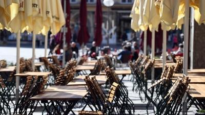 Ουγγαρία: Ανοίγει την επόμενη εβδομάδα η εστίαση σε εξωτερικούς χώρους