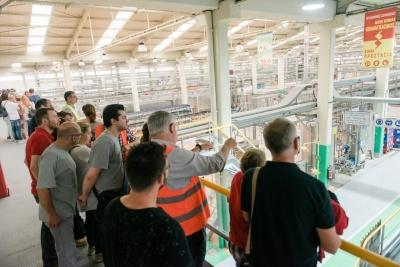 Η Αθηναϊκή Ζυθοποιία άνοιξε τα εργοστάσιά της στους φίλους της μπίρας για δεύτερη συνεχή χρονιά