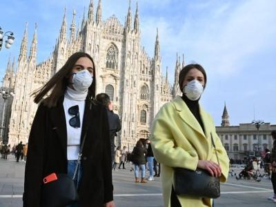 Ιταλία: Ουρές πολιτών που γύρισαν από διακοπές σε Ελλάδα, Ισπανία, Μάλτα, Κροατία για τεστ Covid-19