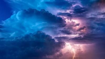 ΗΠΑ: Τα ακραία φαινόμενα του κυκλώνα Σάλι απειλούν τις αμερικανικές ακτές