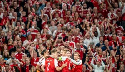 Εθνική Δανίας: Η οικογένεια ξεπέρασε τα δύσκολα, «μεγαλώνει» μαζί και έχει στις τάξεις της έναν... παγκόσμιο πρωταθλητή