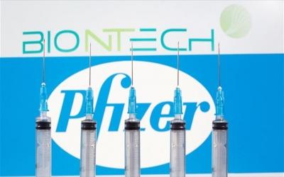 Ανησυχούν σοβαρά την ΕΕ οι καθυστερήσεις στις παραδόσεις του εμβολίου των Pfizer/BioNTech