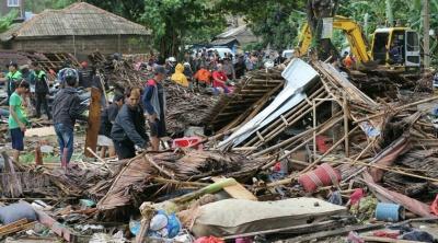 Απόλυτη καταστροφή στην Ινδονησία: Στους 281 οι νεκροί από το τσουνάμι - Περισσότεροι από 1.000 οι τραυματίες