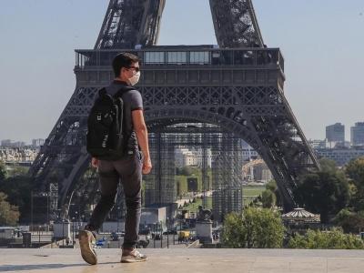 Γαλλία: Ανεστάλη λόγω φόρτου η πλατφόρμα για τους εμβολιασμούς μετά το διάγγελμα Macron