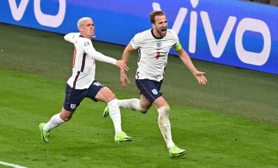 EURO 2020: Οι ξέφρενοι πανηγυρισμοί στις εξέδρες του Wembley υπό τους ήχους του «Sweet Caroline» (vid)