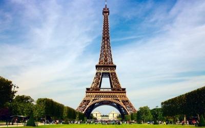 Η Γαλλία αναμένει μία ισχυρή τουριστική σεζόν με 50 εκατομμύρια επισκέπτες