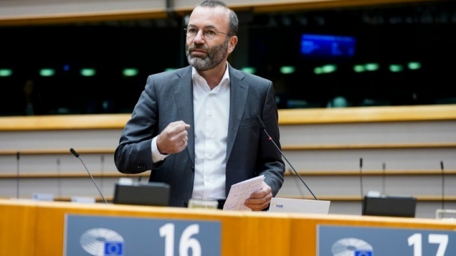 Weber (ΕΛΚ): Δεν μπορεί να μας περιπαίζει ο Boris Johnson για τους ελέγχους στα ιρλανδικά σύνορα