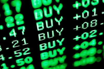 Λίγο μετά το κλείσιμο του ΧΑ – Επέλαση αγοραστών με τράπεζες και επιλεγμένα βαριά χαρτιά