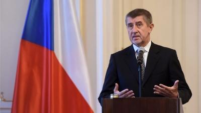 Η Τσεχία ακολουθεί την Ουγγαρία και εξετάζει «στροφή» προς ρωσικά και κινεζικά εμβόλια