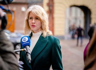 Ολλανδία:  «Καρατόμηση» της υφυπουργού Οικονομικών για κριτική στα πιστοποιητικά covid-19
