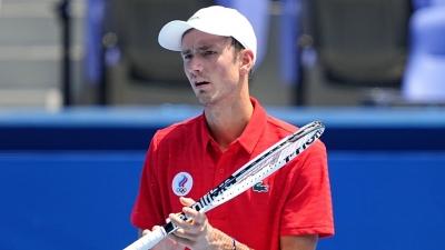Τένις: Με το «δεξί» ο Μεντβέντεφ (video)