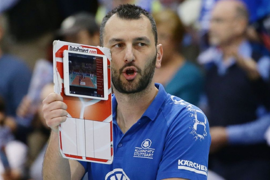 Ο Γιάννης Αθανασόπουλος στο «BN Sports»: «Στόχος της Τσεχίας η παρουσία στον τελικό της Golden League - Ως προπονητής χάνεις τον ύπνο σου»
