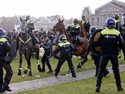 Ολλανδία: Χιλιάδες διαδηλωτές στο Άμστερνταμ κατά του lockdown - Ένταση με την αστυνομία