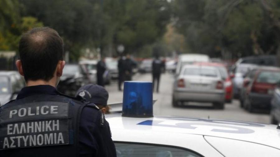 Αστυνομική επιχείρηση στην πλατεία Εξαρχείων – Απομακρύνθηκε κοντέινερ αντεξουσιαστών
