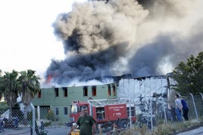 Κρήτη: Μεγάλη πυρκαγιά σε τυποποιητήριο ελαιολάδου