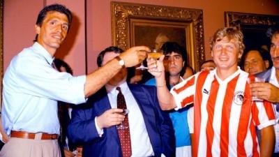 Καλοκαίρι 1988: Ο Λάγιος Ντέταρι έρχεται στον Ολυμπιακό και… βουλιάζει το λιμάνι!