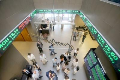 Λίγο μετά το άνοιγμα του ΧΑ – Κοιτάζει τα υψηλά έτους με τις τράπεζες και πάλι στο επίκεντρο