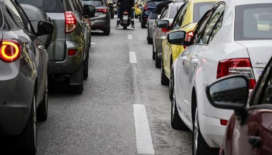 Περιφέρεια Αττικής: Αυξημένη κατά 34,3% η κυκλοφορία οχημάτων τα δύο τελευταία Σαββατοκύριακα