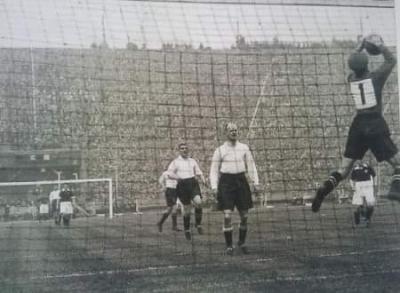 Το πρώτο ματς με αριθμούς στη φανέλα που άλλαξε την ιστορία του ποδοσφαίρου!