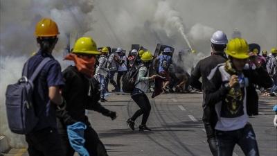 Μιανμάρ: Αιματηρή καταστολή με 12 νεκρούς -  Πολιτικές κινήσεις ενάντια στο πραξικόπημα