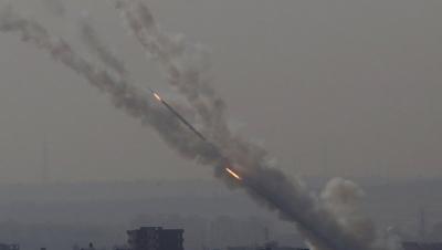 Ισραηλινοί βομβαρδισμοί στη Γάζα μετά την εκτόξευση ρουκέτας από τον θύλακα