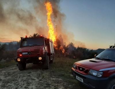 Πυρκαγιά στην Ζήρια Αχαΐας – Εκκένωση δύο κοινοτήτων, κλειστές οι εθνικές οδοί Πατρών-Κορίνθου