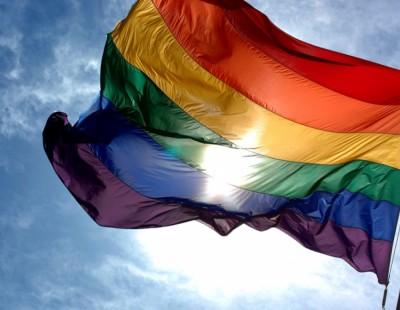 Μήνυμα αποδοχής της ΕΕ στους ΛΟΑΤΚΙ - «Όλοι πρέπει να είναι ελεύθεροι να αγαπούν όποιον θέλουν και να ζουν όπως θέλουν»