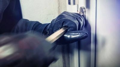 Τον συνέλαβαν για απόπειρα ληστείας και ανακάλυψαν ότι είχε διαπράξει άλλες δέκα