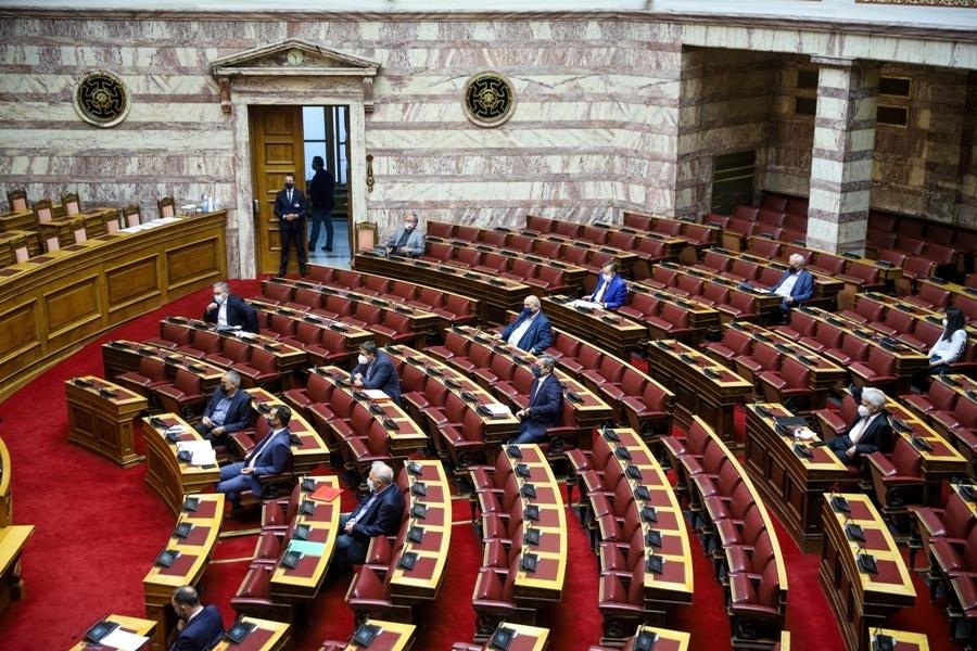 Βουλή: Υπερψηφίστηκε επί της Αρχής το σ/ν του υπουργείου Ανάπτυξης για απλοποίηση της αδειοδότησης επιχειρήσεων