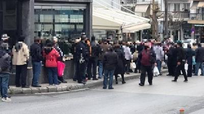 Θεσσαλονίκη στα χρόνια της πανδημίας: Ουρές πολιτών για δωρεάν φαγητό