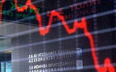 Λίγο μετά το κλείσιμο του ΧΑ – Στο χαμηλό ημέρας και κάτω από τις 870 μονάδες – Προβλημάτισε η ΕΤΕ