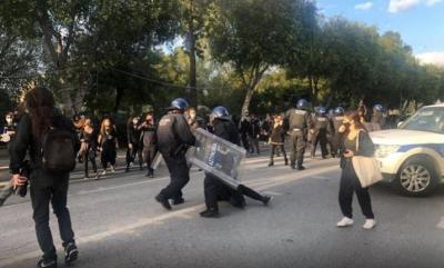 Κύπρος: Συλλήψεις και επεισόδια σε πορεία κατά του lockdown