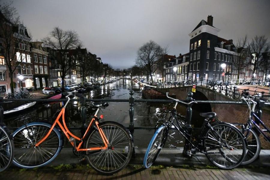 Ολλανδία: Παράταση του μέτρου της απαγόρευσης κυκλοφορίας τη νύχτα έως τις 31 Μαρτίου 2021