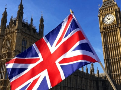 Βρετανία: Ετήσια πτώση ρεκόρ στο -9,9% για το ΑΕΠ το 2020