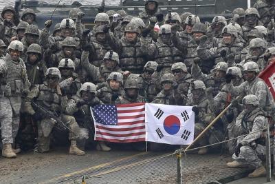 Η Νότια Κορέα θα πληρώσει περισσότερα για τη στρατιωτική παρουσία των ΗΠΑ