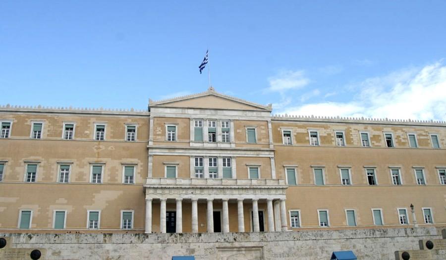 Σάλος στη Βουλή από την εισαγγελική παρέμβαση για την παρουσία πολιτικών αρχηγών στο  Πολυτεχνείο
